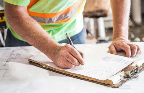 Equipo de trabajo en el proyecto de reforma de un local