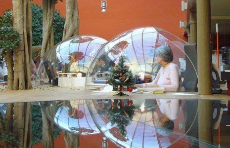 Su oficina futurista como nave espacial