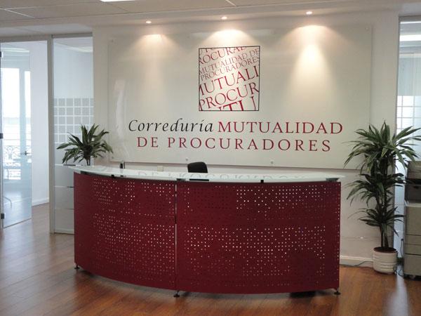 La mutualidad de procuradores selecciona mobiliario de for Recepciones modernas para oficinas