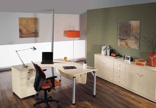 Eco una serie de mesas de oficina operativas que destacan for Mobiliario de oficina precios