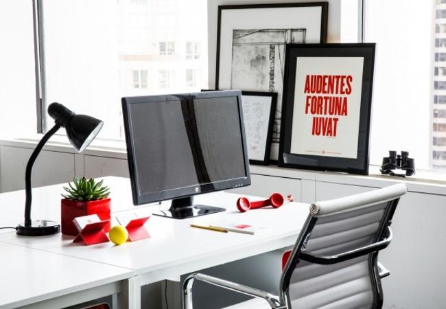 Rojo y blanco para sus nuevas oficinas ideas de - Equipamiento integral de oficinas ...