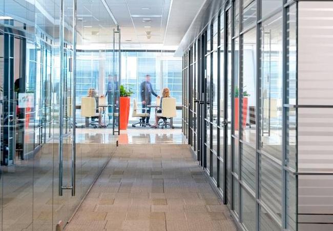Oficinas con mamparas de cristal