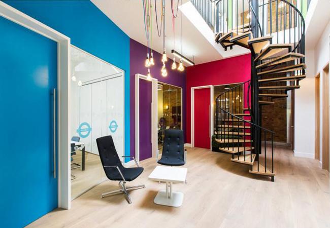 Gu a de los colores de oficinas m s trendy y con for Combinacion de colores para oficinas modernas