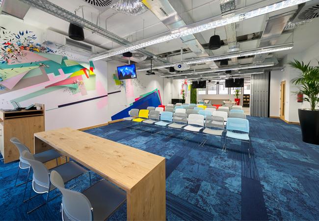 Los 6 grandes aciertos de las nuevas oficinas de facebook for Oficinas caja laboral madrid