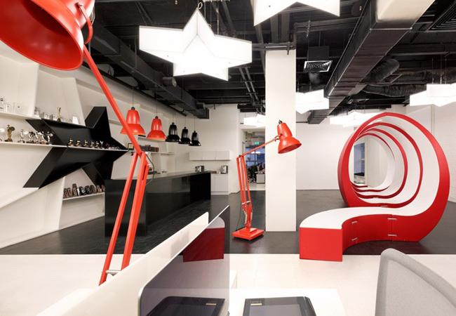 Decoración oficinas de publicidad Leo Burnett