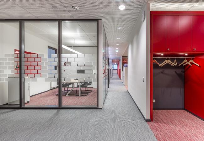 Distribuci n de oficinas ideas redistribuci n y reforma for Distribucion de oficinas en una empresa