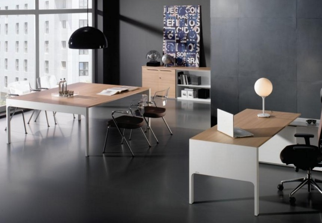 Mesas de oficina en blanco eqin estudio mobiliario y for Mesas de despacho modernas