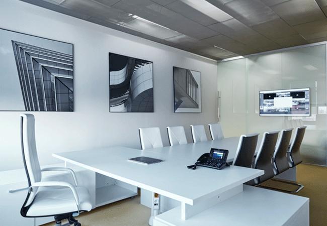 3 dise os interesantes para salas de reuniones for Mesa sala de reuniones