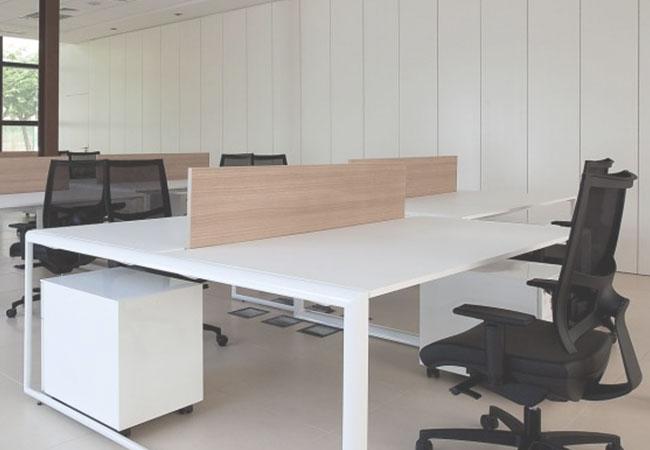 Caracter sticas ergon micas para una mesa de oficina for Dimensiones mesa de trabajo