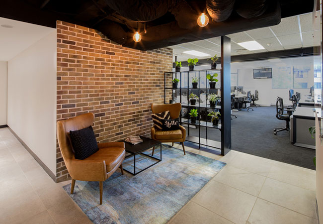 4 consejos para la decoraci n de oficinas peque as equipamiento integral de oficinas for Imagenes de decoracion de oficinas pequenas