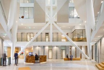 Ideas para crear una recepción de oficina moderna