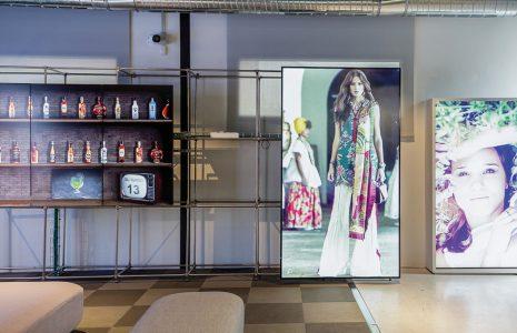 Ventajas y funcionalidades de la cartelería digital en tiendas y locales comerciales
