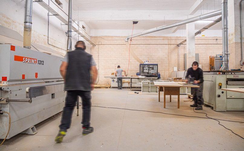 taller de carpintería y aluminio