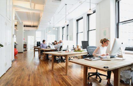 Oficinas de estilo nórdico: ¿Cómo aplicar el interiorismo escandinavo a tu espacio de trabajo?