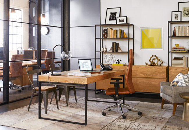 Trucos para reformar oficinas de estilo industrial y for Mesas de despacho modernas