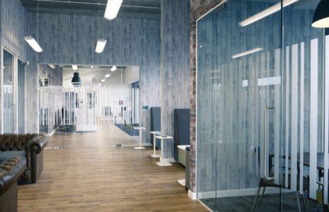 Distribución de oficinas actuales: Ideas para crear espacios amplios que favorezcan el trabajo