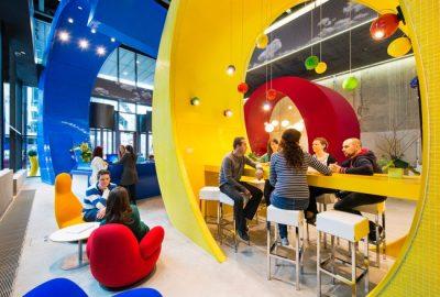 Descubra las oficinas de Google en tres culturas distintas