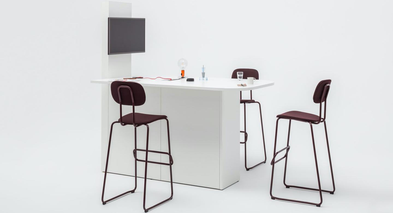 mesa videoconferencias y reunión