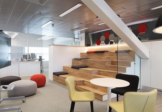 Madera natural en oficinas escandinavas