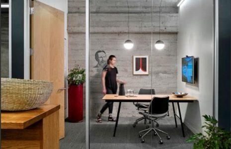 Beneficios de las mamparas de cristal de oficina