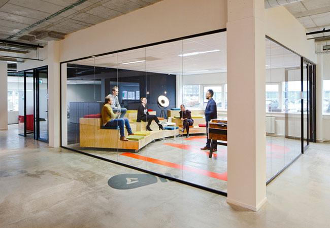 Mamparas de oficina en madrid instalaci n de mamparas de cristal - Oficinas de adecco en madrid ...