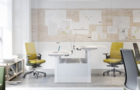 Beneficios de las mesas de oficina regulables en altura