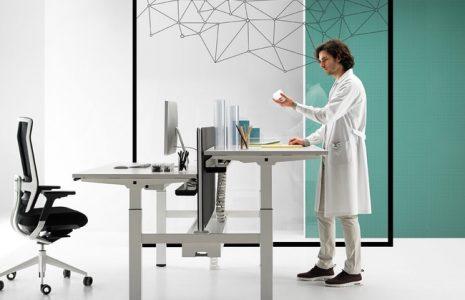 Mesas de oficina regulables en altura: ventajas y beneficios