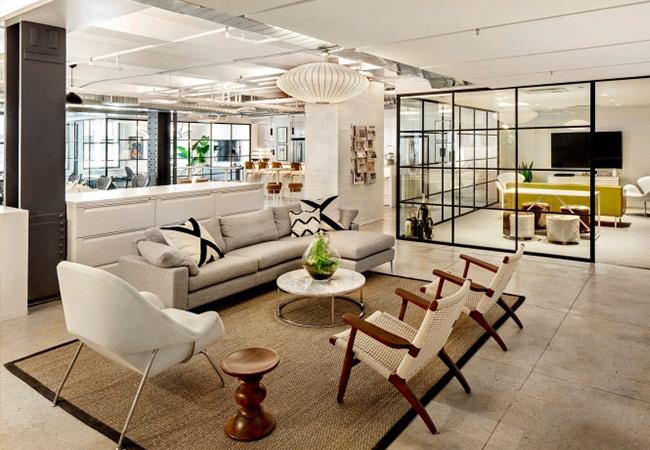 ecuador altavoz en  Las oficinas de diseño abierto de Nike Communications en Nueva York -  Solida Equipamiento Integral