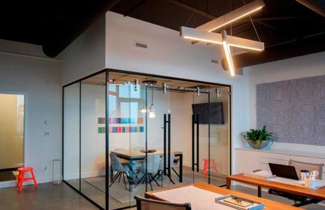 Por qué utilizar mamparas de oficina en su espacio de trabajo