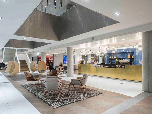 Ejemplos de espacios de trabajo creativos equipamiento for Piso relax santiago