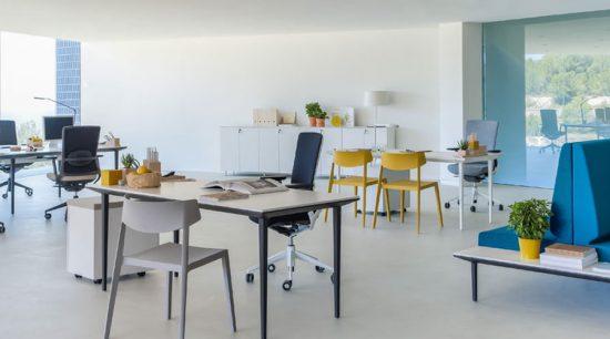 Mobiliario y sillas de oficina